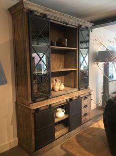 Stoer industriële glaskast - Kasten - Onz Thuys Rustic China Cabinet, Glass Kitchen Cabinets, French Country, Home Office, Man Cave, House Plans, Bookcase, Sweet Home, Dining Room