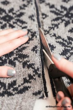 Jeg har i lang tid hold på med Fair Isle Knitting Patterns, Fair Isle Pattern, Knit Patterns, Loom Knitting, Knitting Stitches, Hand Knitting, Filet Crochet, Knit Crochet, Yarn Storage