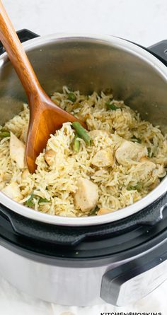 Best Instant Pot Recipe, Instant Pot Dinner Recipes, Pesto Chicken, Ip Chicken, Chicken Rice Recipes, Great Recipes, Easy Recipes, Favorite Recipes, Salads