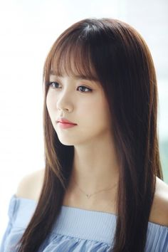 Kim So-hyun (김소현) - Picture @ HanCinema :: The Korean Movie and Drama Database Asian Actors, Korean Actresses, Korean Beauty, Asian Beauty, Korean Bangs Hairstyle, Kim Sohyun, Kim Yoo Jung, Beauty Background, Cute Korean Girl