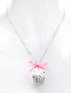 Sparkle Cupcake Necklace. AAAAHHHHHH!!! I've gotta have this!!