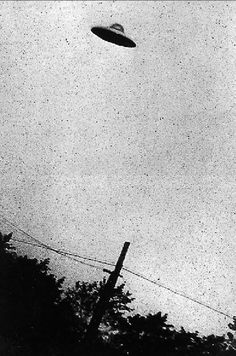 Some of 'world's best ever UFO pictures' go online with CIA former top secret…