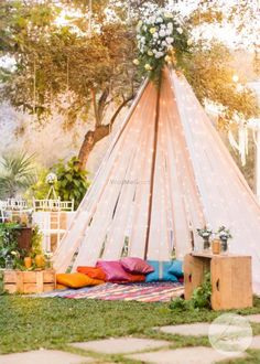 Lovely tent set up with fairy lights and peach drapes for a mehendi Desi Wedding Decor, Wedding Mandap, Indian Wedding Decorations, Wedding Stage, Ceremony Decorations, Room Decorations, Wedding Ideas, Wedding Inspiration, Wedding Set Up