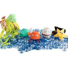 Egg Carton Sea Creatures are the perfect outdoor craft project! Sea Crafts, Fish Crafts, Under The Sea Theme, Under The Sea Party, Art For Kids, Crafts For Kids, Arts And Crafts, Egg Carton Crafts, Ocean Themes
