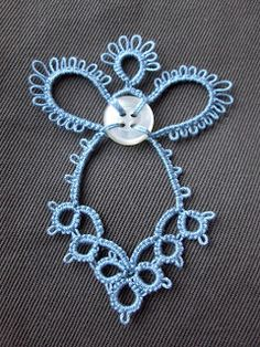 Birgit's Tatting: Simple Angel with button - Free pattern #tatting #angel