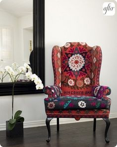 Project re-upholster wing chair: inspiration - Suzani! Chair Upholstery, Upholstered Chairs, Wingback Chairs, Wing Chairs, Swivel Chair, Armchair, Take A Seat, Deco Table, Home And Deco