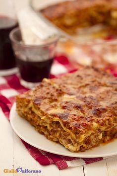 Immancabili per il pranzo della domenica: le #LASAGNE ALLA BOLOGNESE. #ricetta #GialloZafferano #italianfood #italianrecipe