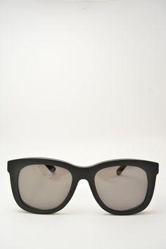 Logos ROMINA black matte sunglasses #sunglasses #logos #blackmatte #square #squareshape #solidblack #bassanodelgrappa #designglasses #design #cheap online store at www.bassanooptical.com