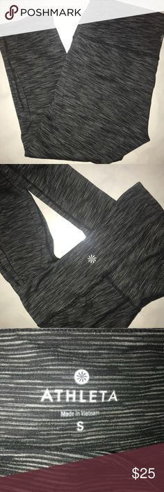 Athleta Heathered Charcoal Gray Capri Leggings This is a pair of athleta heathered Gray Capri Leggings In size small. In excellent condition. Great for your spin or yoga class. So so comfortable and the absolute cutest!! Bundle up! Athleta Pants Leggings