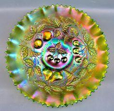 THREE FRUITS ~ NORTHWOOD Green Iridescent Carnival Art Glass Pie Crust Edge Bowl