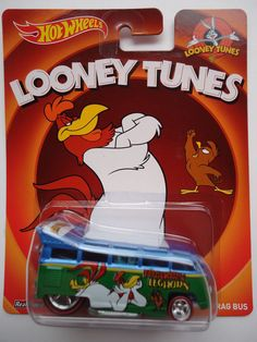2014 HOT WHEELS LOONEY TUNES VOLKSWAGEN T1 DRAG BUS VW WITH RED LINE REAL RIDERS