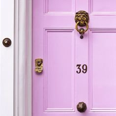 New Ideas for purple front door colors dining rooms Purple Front Doors, Purple Door, Front Door Colors, Feng Shui, Porches, Tout Rose, Boho Home, Interior And Exterior, Nordic Interior