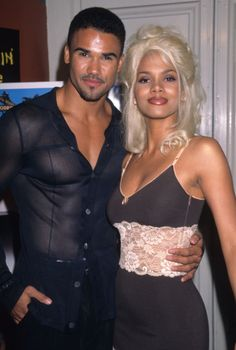 """sridevi: """" vintagewoc: """"Halle Berry with Shemar Moore """" gay and lesbian solidarity """" 2000s Fashion, Hip Hop Fashion, Fashion Outfits, Tlc Costume, 90s Makeup Look, Black Girl Aesthetic, Mode Vintage, Halle Berry, Hollywood"""