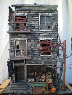 Amazing model haunted houses by Tom Dombroski Halloween Diorama, Halloween Miniatures, Halloween Village, Halloween Haunted Houses, Halloween House, Holidays Halloween, Lego Halloween, Halloween Witches, Halloween Crafts