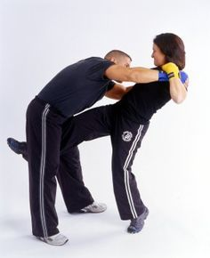 Get access to instant web specials! Taekwondo, Tai Chi, Kung Fu, Karate Kyokushin, Bruce Lee Movies, How To Defend Yourself, Learn Krav Maga, Self Defense Techniques, Martial Arts Training