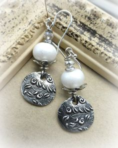 Pearls on the coast. Sterling silver, pearl shiny white lampwork glass, earrings.