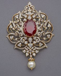 Beautiful studded well in with and stone is used to enhance it's look Jewelry Design Earrings, Gold Earrings Designs, Gold Jewellery Design, Mom Jewelry, Diamond Jewellery, Necklace Designs, Gold Pendent, Diamond Pendant, Gold Earrings For Women