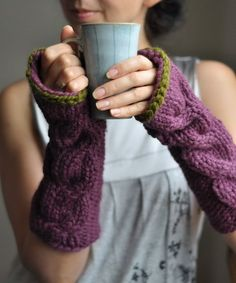 ~♫warm woolen mittens♪~ could totally knit leg Warner's!!