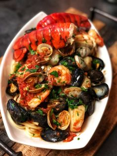 If you are a seafood lover, you are going to enjoy, not only eating, but preparing this fabulous seafood pasta fra diavolo. Fancy Dishes, Fish Dishes, Dinner Dishes, Seafood Pasta Recipes, Fish Recipes, Seafood Fra Diavolo Recipe, Fisher, Seafood Dinner, Seafood Paella