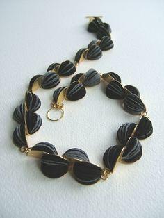 [5.black paper necklace[5].jpg]