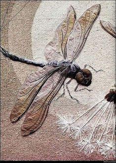Masterpiece of embroidery art - dragonfly. Realistic textile art by Australian artist Annemieke Mein Art Fibres Textiles, Textile Fiber Art, Textile Artists, Textile Sculpture, Crewel Embroidery, Embroidery Designs, Embroidery Books, Bordados E Cia, Art Du Fil