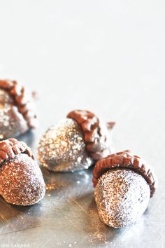 "DIY: Sparkling Glitter Acorns from modeling chocolate,"" disco dust isn't edible"" but I can still do this in something else Z"