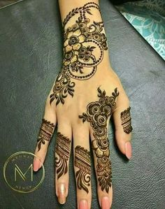 This is very simple and easy mehndi design for left palm hand - JEWELRY - jewelry - Hand Henna Designs Khafif Mehndi Design, Floral Henna Designs, Finger Henna Designs, Stylish Mehndi Designs, Mehndi Designs For Girls, Mehndi Design Pictures, Wedding Mehndi Designs, Unique Mehndi Designs, Beautiful Mehndi Design