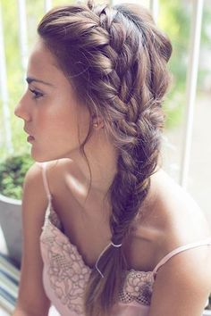 15 Seriously Cool Summer Hair Ideas - romantic side braid