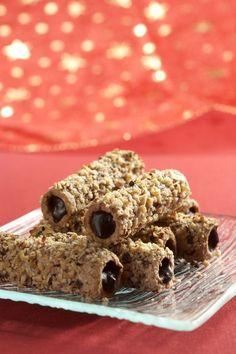 Dejte pozor, komu tyhle trubičky dáte ochutnat, protože pak na ně bude jezdit každé Vánoce. Ledaže byste mu prozradili recept... Czech Desserts, Mini Desserts, Sweet Desserts, Sweet Recipes, Healthy Dessert Recipes, Baking Recipes, Cookie Recipes, Torta Recipe, Czech Recipes