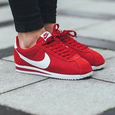 Sneakers For Girl : Nike Cortez Nike Red Sneakers, Girls Sneakers, Sneakers Fashion, Nike Shoes, Red Sneakers Outfit, Nike Cortez Rouge, Nike Cortez Red, Nike Cortez Shoes, Tenis Casual