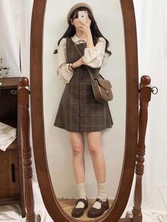 Girl Vintage Outfits, Retro Outfits, Cute Casual Outfits, Girl Outfits, Vintage Inspired Outfits, Vintage Fashion Style, Cute Fashion Style, Vintage Winter Fashion, Victorian Outfits