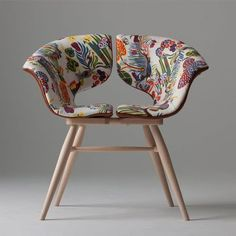 Butterfly Chair by London-based furniture designer Tortie Hoare, via London Design Fair 2017 Chaise Floral, Floral Chair, Funky Furniture, Unique Furniture, Furniture Design, Leather Furniture, Quality Furniture, Office Furniture, Furniture Ideas