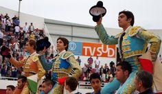PALAVAS Bautista, Castella y Perera, en hombros Siete a una de Fuente Ymbro - Mundotoro.com #toros #FuenteYmbro
