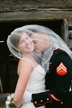 Photo of Va. couple holding hands ahead of wedding goes viral - NY ...