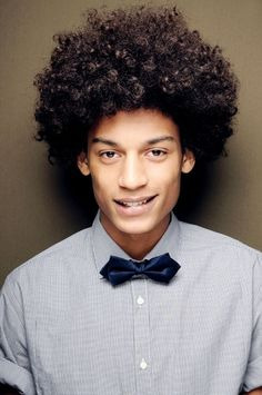 If you have an afro haircut, you need an extra do to keep your afro hair healthy and look nice. Afro indeed need extra action for keeping in healthy or style it Black Men Hairstyles, Cool Hairstyles For Men, African Hairstyles, Afro Hairstyles, Haircuts For Men, Black Hairstyle, Hairstyle Ideas, Natural Hair Men, Pelo Natural