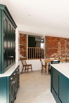 Dark Kitchens, Small Kitchens, Home Kitchens, Kitchen Room Design, Kitchen Layout, Kitchen Decor, Large Kitchen Island, Open Plan Kitchen, Clever Kitchen Ideas