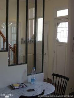 Maison années 30, Aurore Pannier - Côté Maison Projets House Siding, New Homes, Windows, Mirror, Interior, Inspiration, Furniture, Rue, Attic