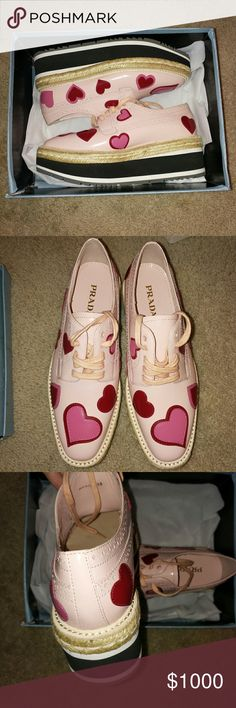 PRADA OXFORDS 38 SO CUTE NEW WITH BOX TAKING OFFERS (but don't offer $2xx I won't accept)  AUTHENTIC Prada Shoes