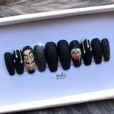 Disney Acrylic Nails, Halloween Acrylic Nails, Almond Acrylic Nails, Best Acrylic Nails, Disney Nails, Snow White Nails, Snow Nails, Funky Nail Art, Funky Nails