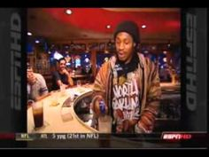 so funny.... marshawn lynch and going to applbees in buffalo.