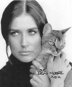 30 millions d'amis magazine aime...  Demi Moore et chat  cat