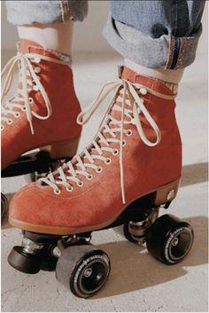 UO Exclusive Suede Roller Skates Love red anything! Especially Skates! Especially Skates! Retro Roller Skates, Quad Roller Skates, Roller Derby, Roller Skating Rink, Red Aesthetic, Aesthetic Vintage, Tumblr Skate, Skate Wallpaper, Rollers