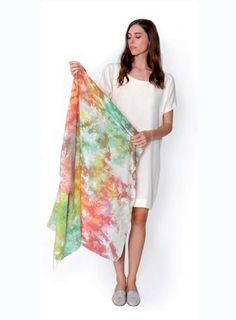 DIY Tie-Dye Crystalline Scarf - learn how to dye fabric to get this cool marbling effect