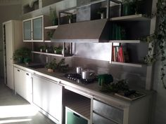 INDUSTRIAL CHIC Cucina con isola by L\'Ottocento | Rumah modern ...