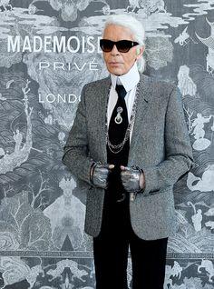 Karl Lagerfeld en la inauguración en Saatchi Gallery, Londres. | Galería de fotos 1 de 12 | AD MX