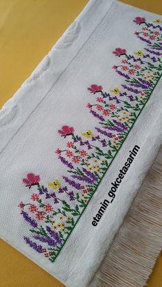 Cross Stitch Cards, Counted Cross Stitch Patterns, Cross Stitching, Cross Stitch Embroidery, Embroidery Flowers Pattern, Flower Patterns, Embroidery Designs, Easy Cross Stitch, Cross Stitch Flowers