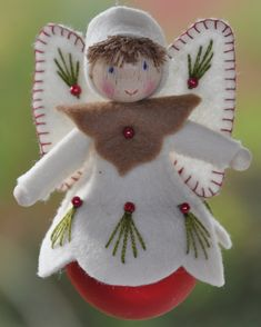 Festive Crafts, Christmas Projects, Felt Crafts, Holiday Crafts, Felt Christmas Ornaments, Handmade Ornaments, Christmas Angels, Christmas Sewing, Christmas Crafts