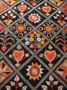 rekipeitto - wool embroidery