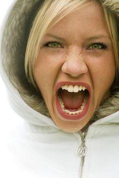 mulher-gritar.jpg (320×480)
