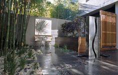 jardin zen décoré avec du bambou